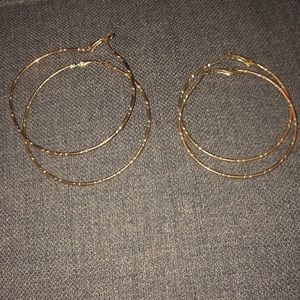 Gold hoops (2 pairs)
